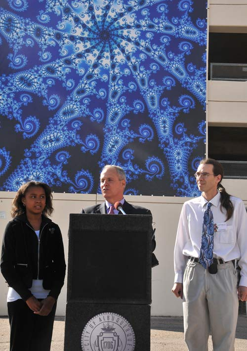 Mayor Martin J. Chavez, Rachel Washington and Jonathan Wolfe at the dedication ceremony. Photo by <A href=